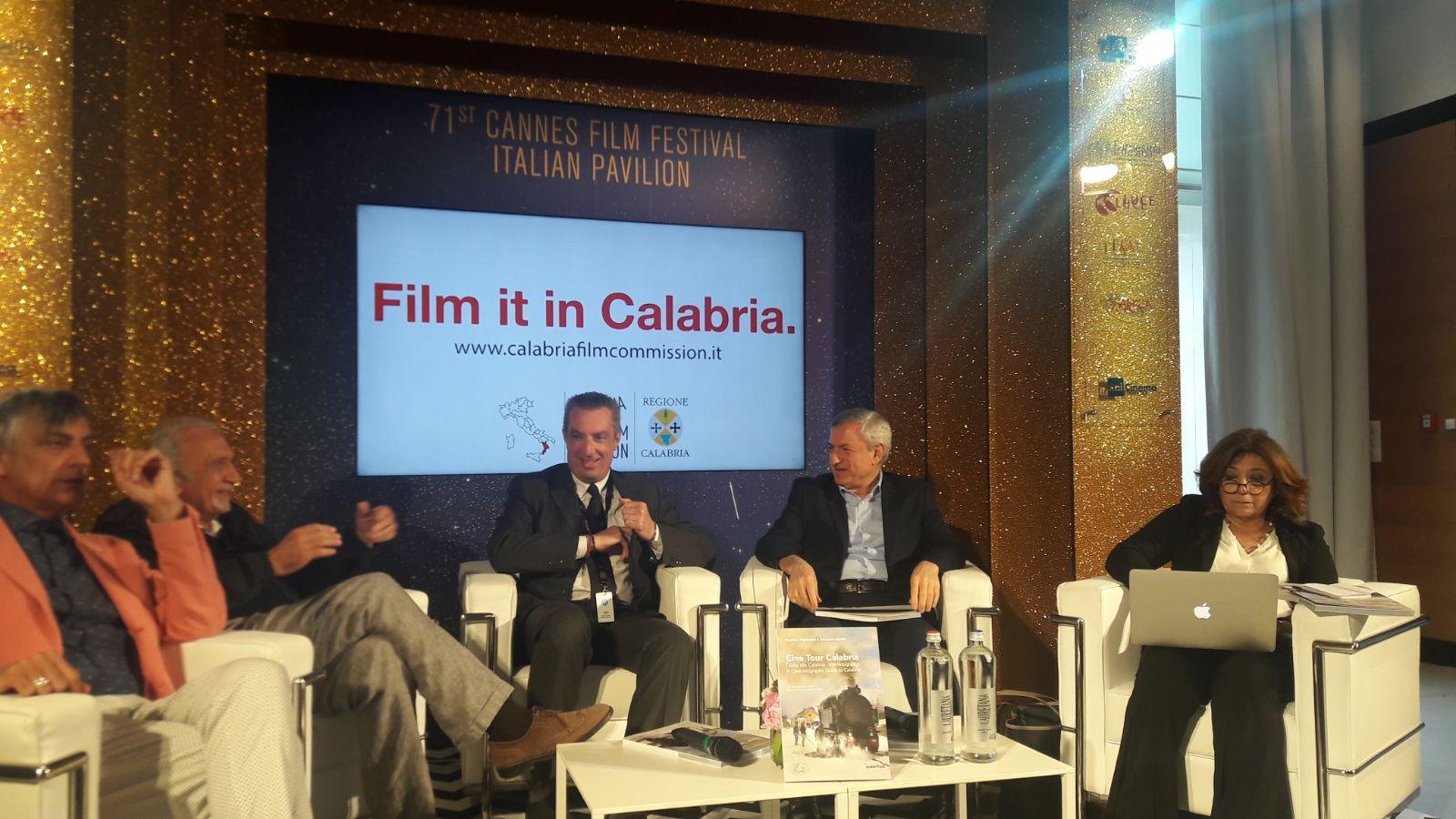 Cannes 2018: Marion Cotillard in bianco per