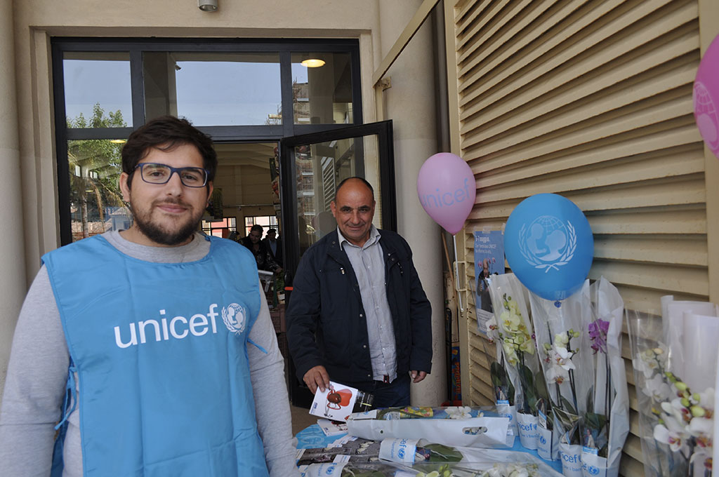 Con l'Orchidea dell'UNICEF fai rifiorire la vita