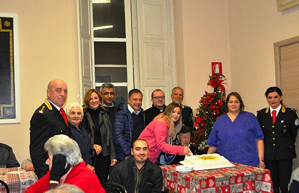Lamezia cosint organizza cena di beneficenza alla casa di for Casa comunale