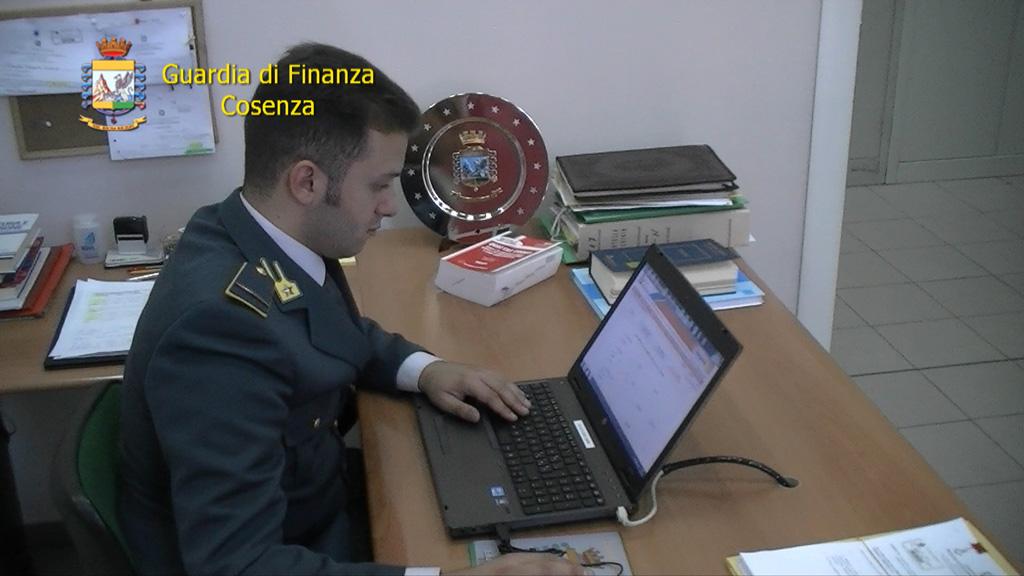Bancarotta fraudolenta, arrestato imprenditore edile a Cosenza