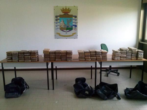 Operazione Vulcano: fermate 12 persone per traffico di cocaina