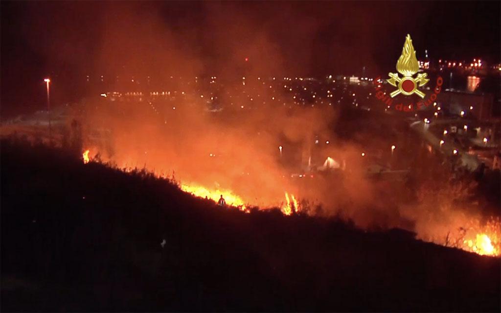 Emergenza incendi in Calabria: cinquecento interventi in 24 ore - VIDEO