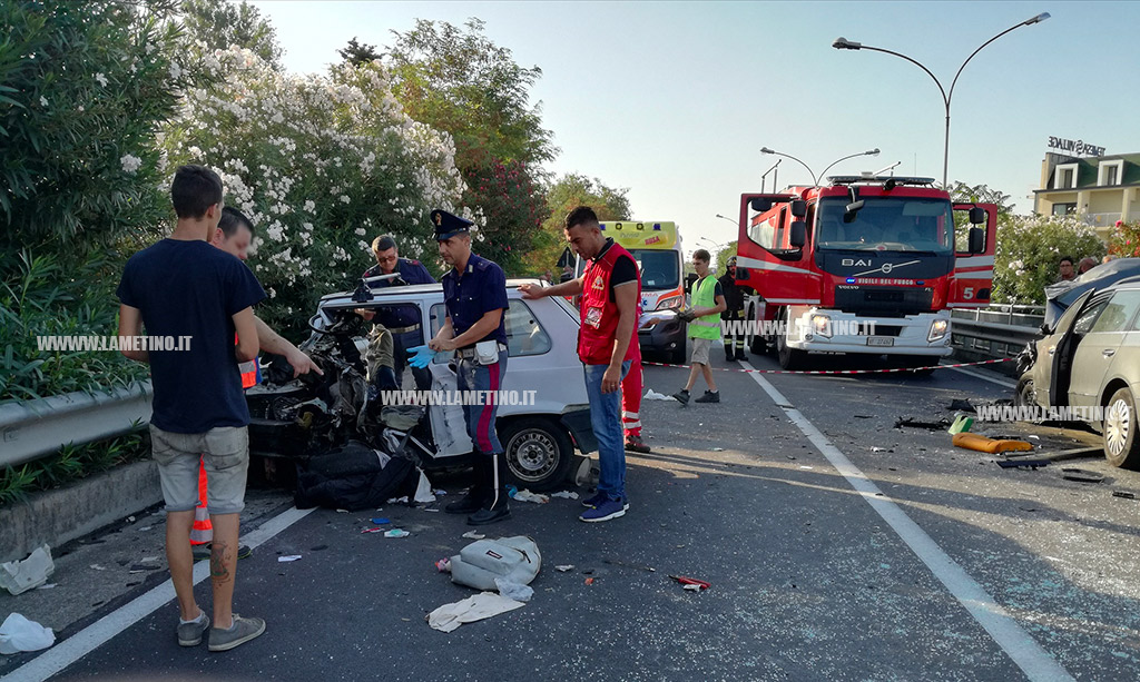 Drammatico incidente sulla SS18 in Calabria: un morto