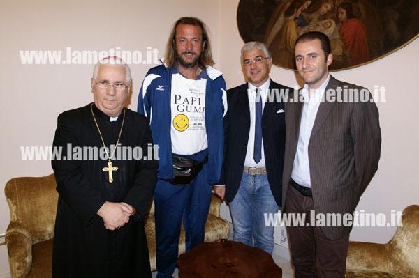 papi-gump-vescovo-lamezia.jpg