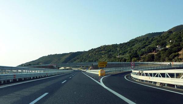 """A3: verifiche su viadotto """"Stupino"""", obbligo uscita Falerna mezzi pesanti - Il Lametino"""